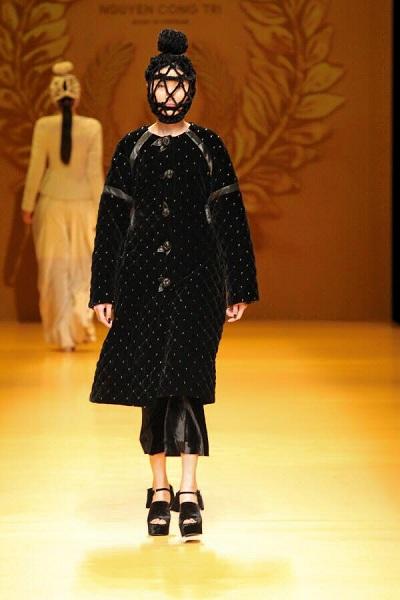 Những show diễn ấn tượng của làng thời trang việt